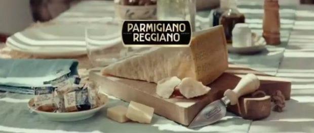 """Parmigiano Reggiano, lo spot """"Anche noi restiamo a casa"""" sull'emergenza Covid-19"""